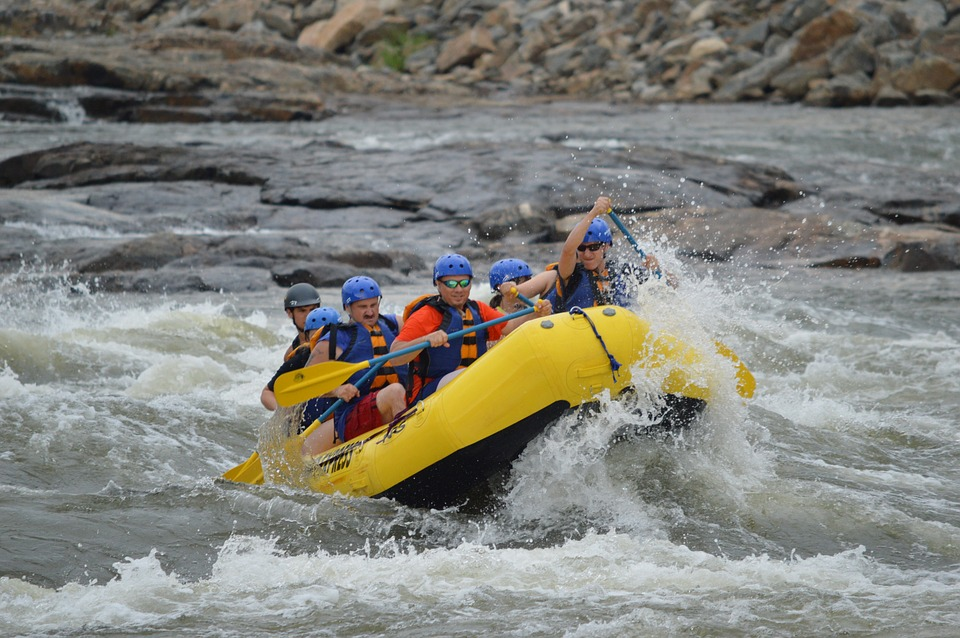 RIVER RAFTING DESTINATIONS IN INDIA